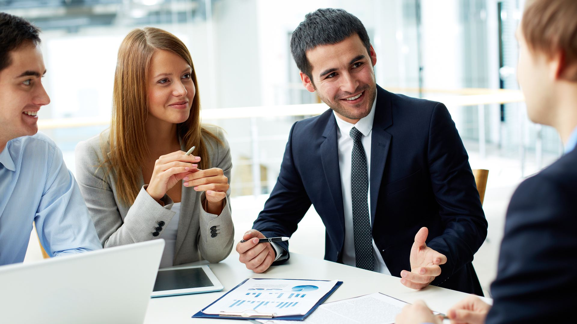 How to Lead a Successful Sales Meeting